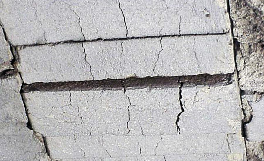 Insulating Fire Brick with Fully Developed Cracks